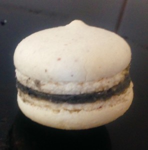 Black Sesame Macarons recipe
