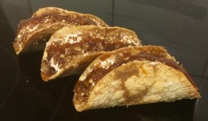 Apple and Cinnamon Dessert Crumble Taco's recipe